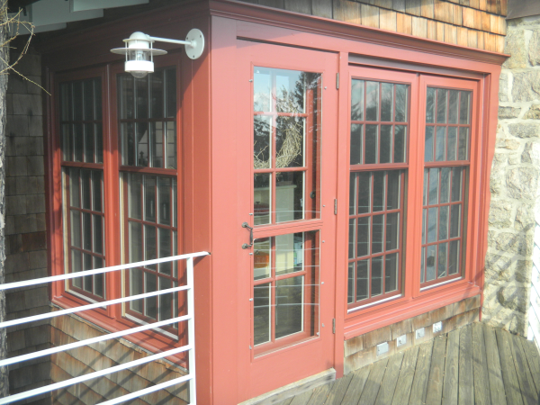 composit window painted red