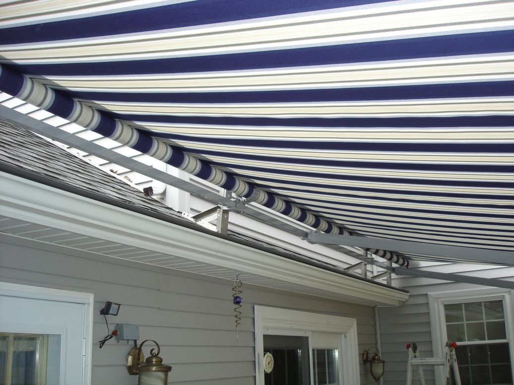 view of roof mount of a motorized retractable awning